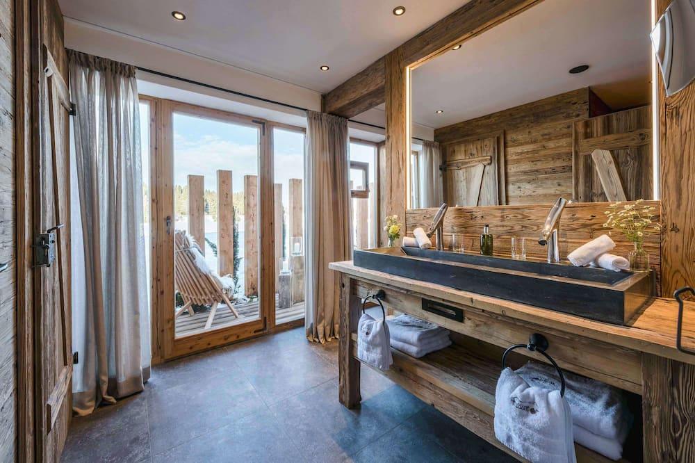 Apartament luksusowy, Wiele łóżek, widok na góry (Bergwiese) - Łazienka