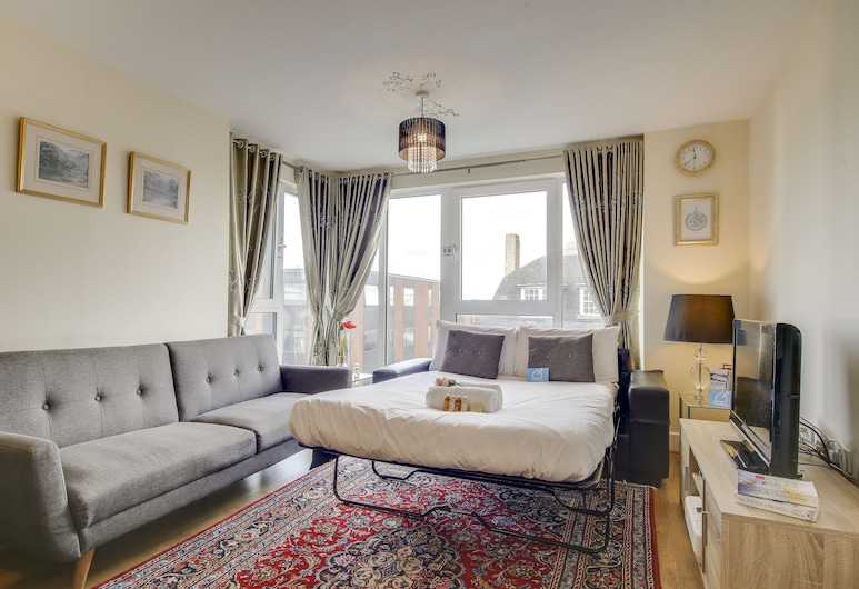 Modern Glenthorne Road Apartment - ZIL, London, Deluxe-Apartment (1 Bedroom), Wohnbereich