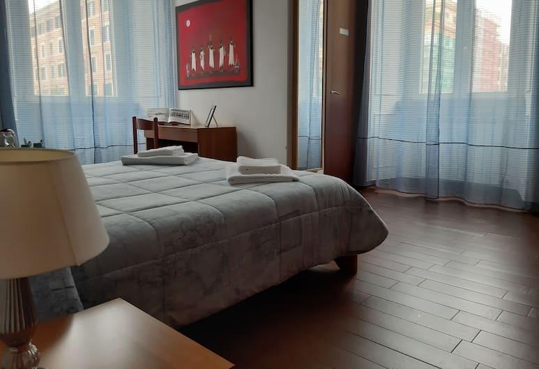 露依米婭索雷拉酒店, Rome, 經典雙人房, 客房