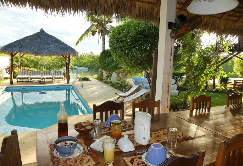 Bungalow With 2 Bedrooms in Andilana, With Wonderful sea View, Shared Pool and Enclosed Garden, Nosy Be, Pool