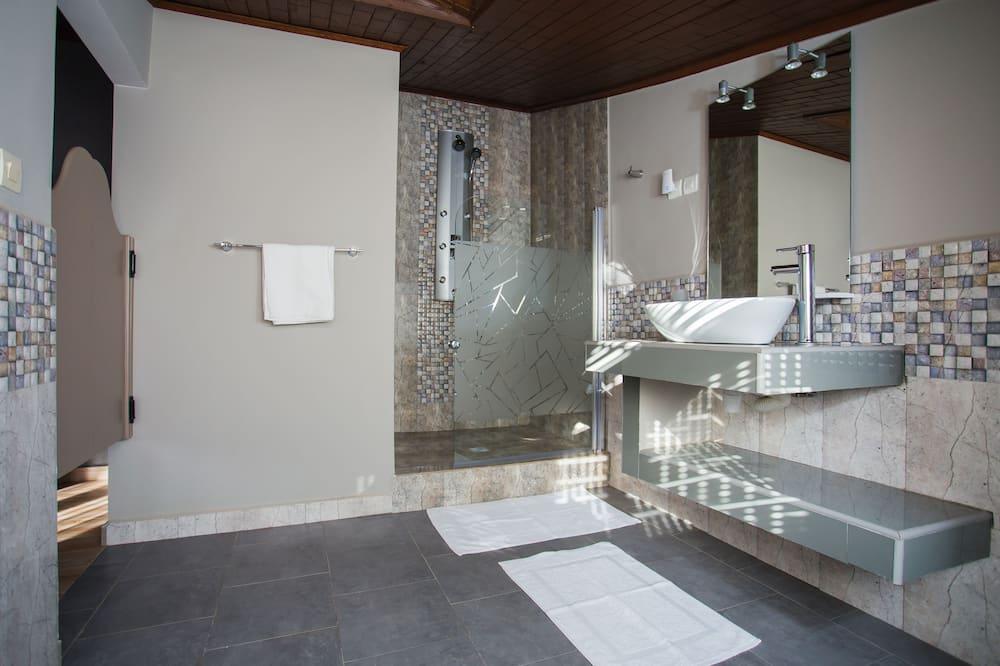 Comfort Double Room, 1 Queen Bed, Garden View - Bathroom