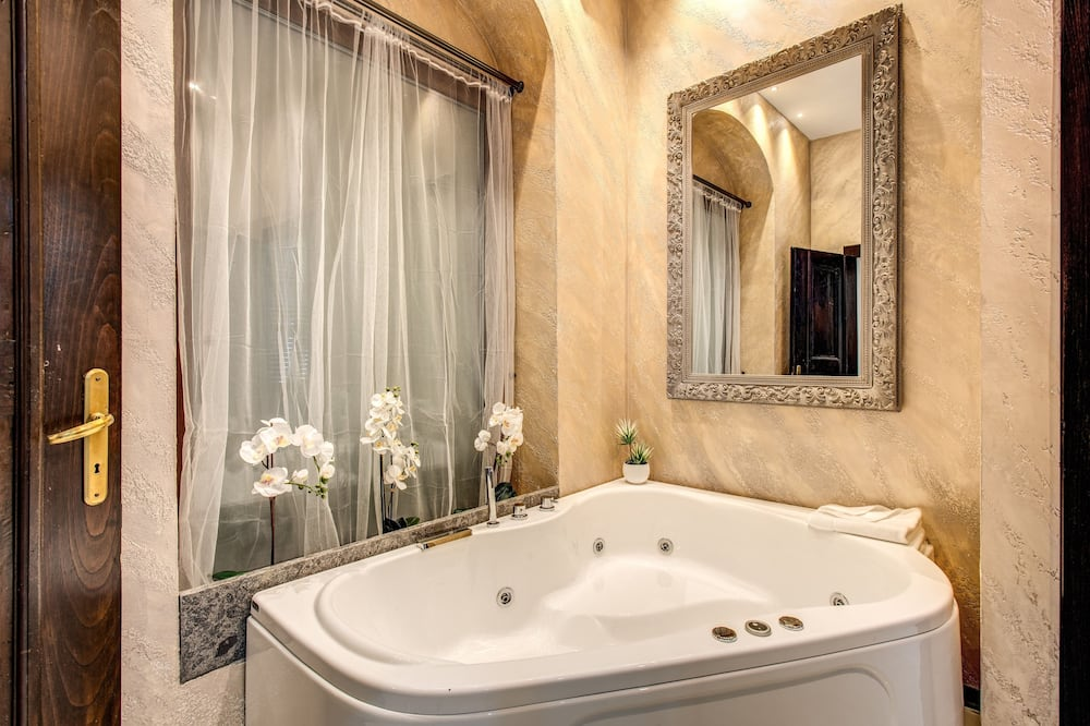 Chambre Double Deluxe, 1 chambre, baignoire à jets - Bain à remous privé