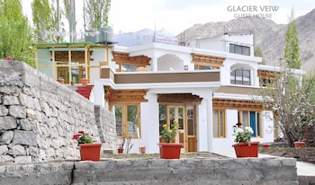 Picture of Glacier view guest House in Leh