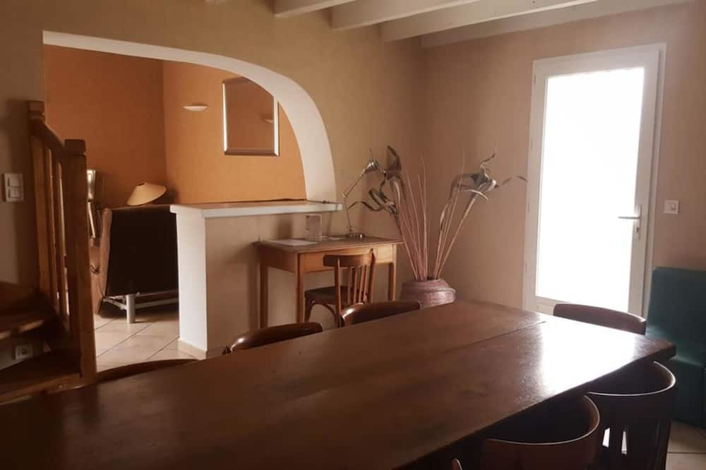Dzīvokļnumurs, divas guļamistabas, terase - Dzīvojamā istaba