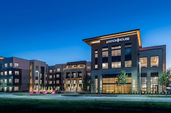 Top 10 3-Star Hotels in Frisco from $79/night | Hotels com