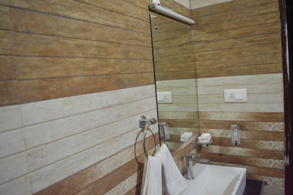 Deluxe-værelse med dobbeltseng eller 2 enkeltsenge - udsigt til bugt - Badeværelse