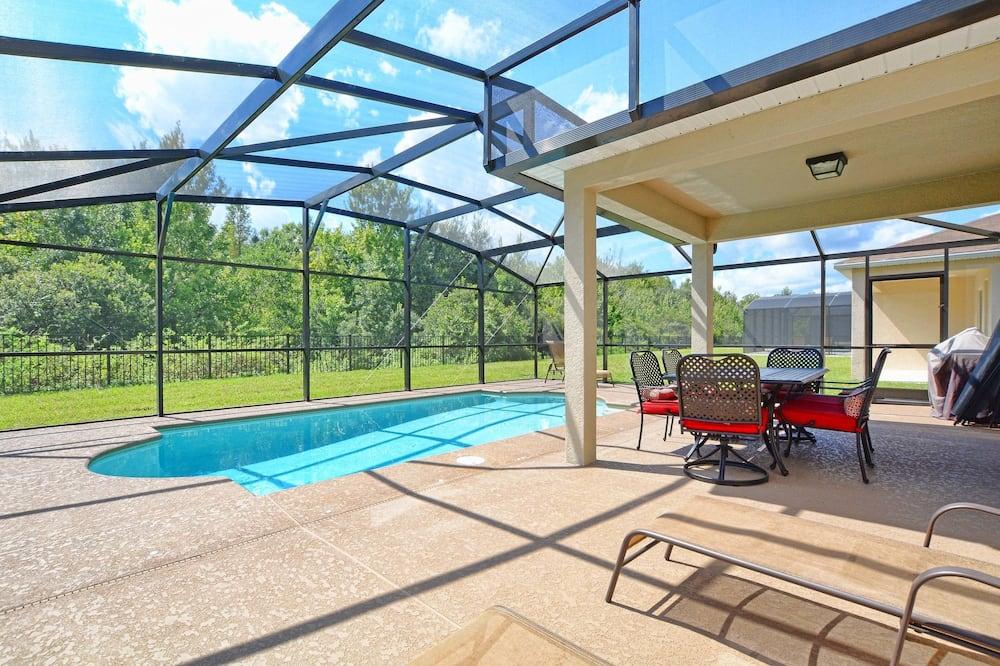 Dom, 6 spální - Krytý bazén
