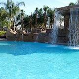 Dom, 5 spální - Vodopád v bazéne