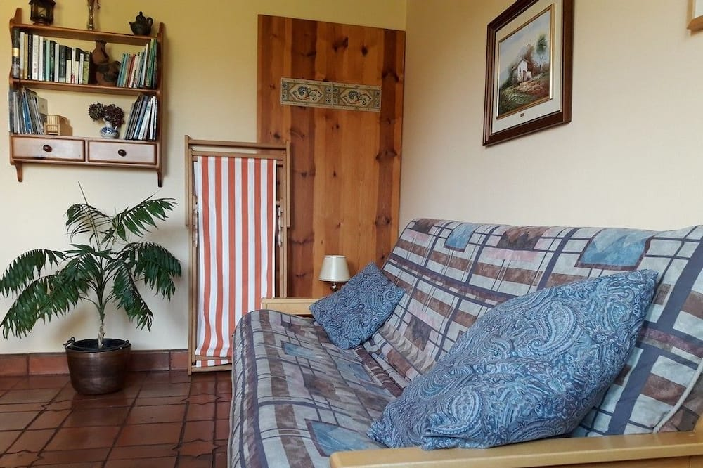 House, 1 Bedroom (Ñeru) - Living Area