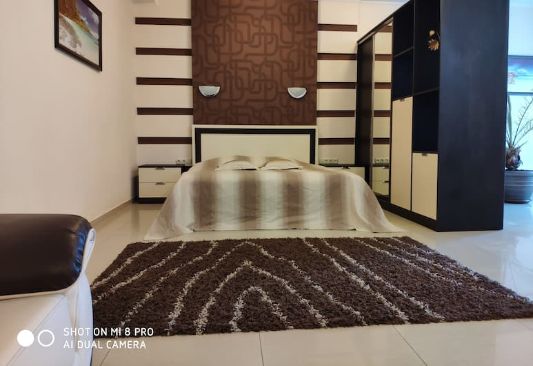 Columbus Hotel, Odessa, Luxury Suite, 1 Queen Bed with Sofa bed, Guest Room