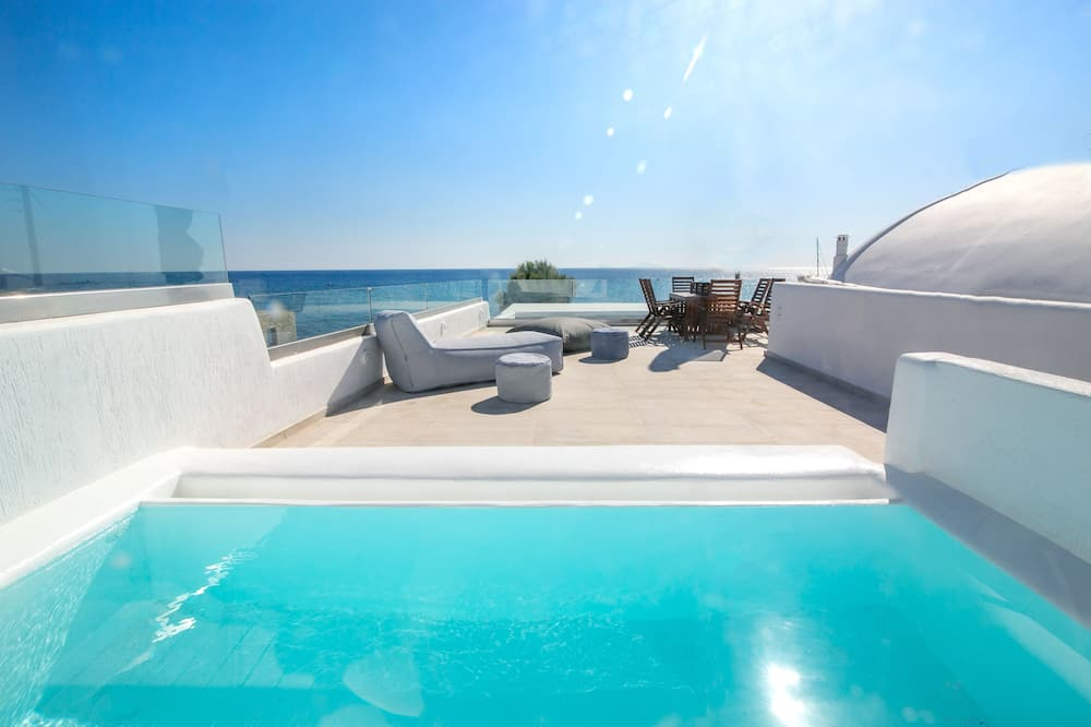 Deluxe Suite with outdoor private hot tub & beach front - Терраса/ патио