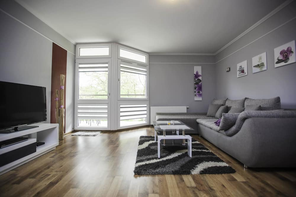 Deluxe Apartment, 1 Queen Bed with Sofa bed - Living Room