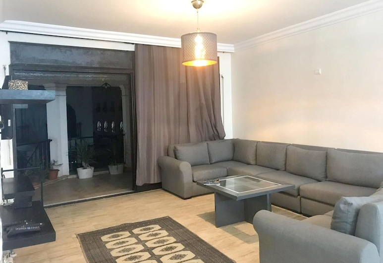 Apartment With one Bedroom in Casablanca, With Pool Access, Enclosed Garden and Wifi - 100 m From the Beach, Casablanca, Wohnzimmer
