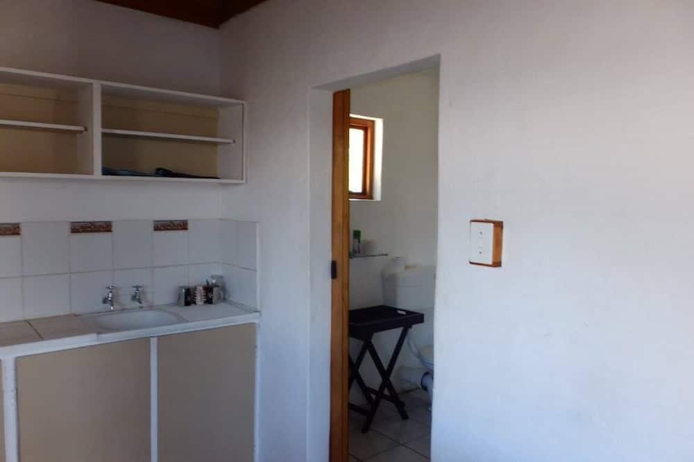 Standard Double Room (Deluxe) - Bathroom