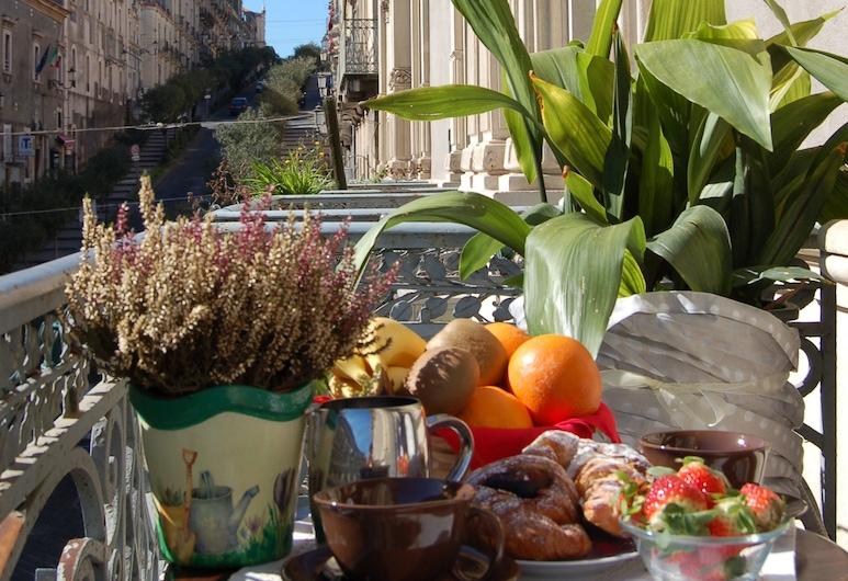 San Demetrio, Catania, Standard kahetuba, 1 lai voodi, vaade linnale, Tuba