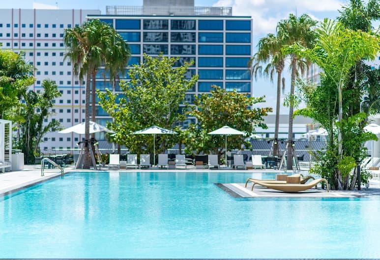 Global Luxury Suites Downtown Miami, Miami, Piscine en plein air