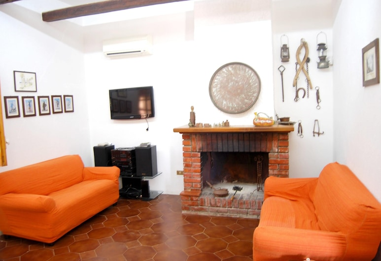 House With 3 Bedrooms in Santa Margherita di Belice, With Enclosed Garden and Wifi - 12 km From the Beach, Santa Margherita di Belice