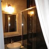 Tek Büyük Yataklı Oda, 1 Büyük (Queen) Boy Yatak, Bahçe Manzaralı (La Biche) - Banyo