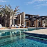 Villa – grand, 2 soverom, privat basseng, ved strandkanten - Strand