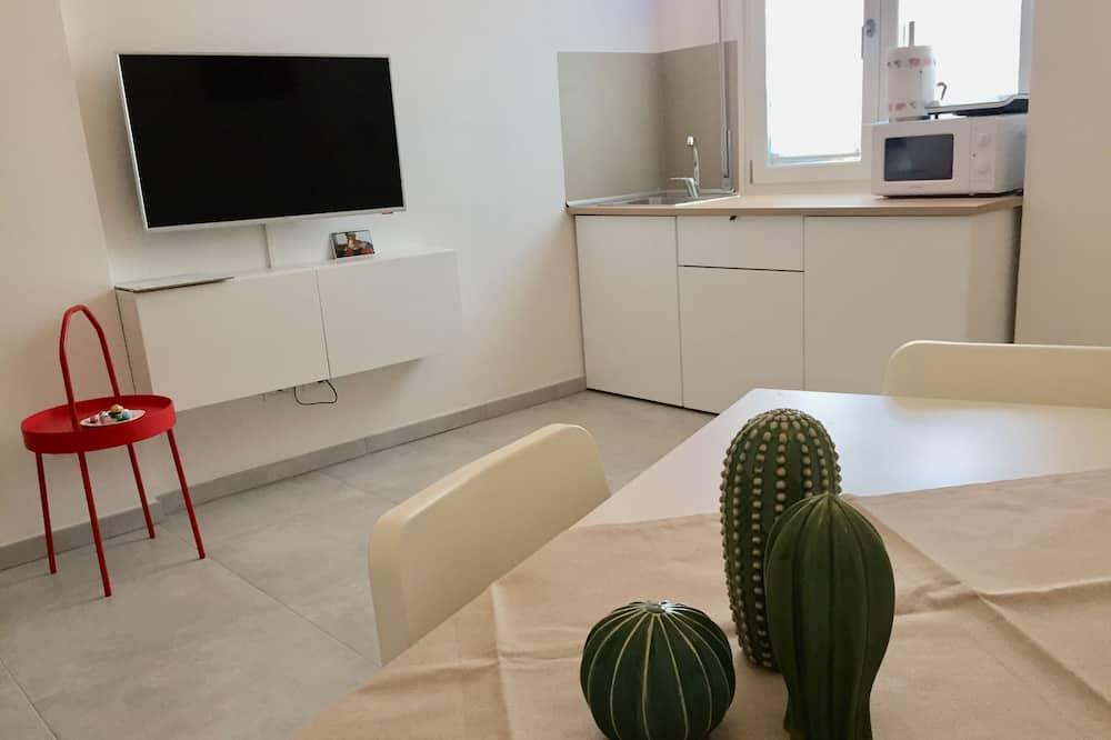 Liukso klasės kambarys, virtuvė - Svetainė