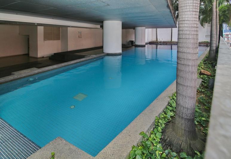 OYO Home 726  Luxury 1br Taragon Puteri, Kuala Lumpur, Indoor Pool