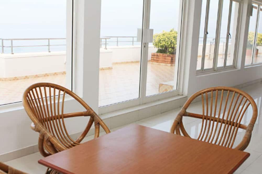 Standard Apart Daire, Birden Çok Yatak, Deniz Manzaralı - Oturma Alanı