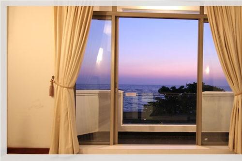 拉哈海洋住宅酒店/