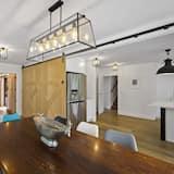 Ferienhaus, 6Schlafzimmer - Essbereich im Zimmer