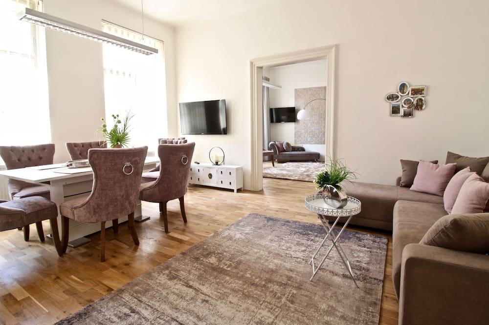 Розкішні апартаменти, з видом на місто - Житлова площа