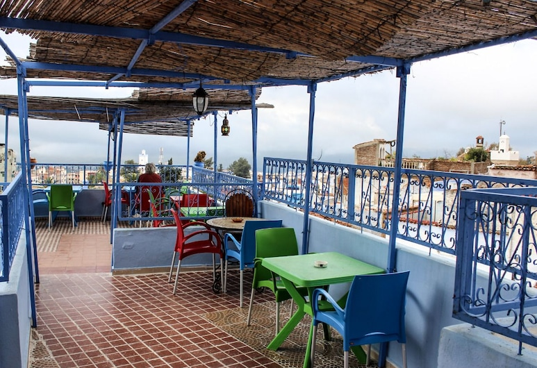 hostel souika, Chauen, Restaurante al aire libre