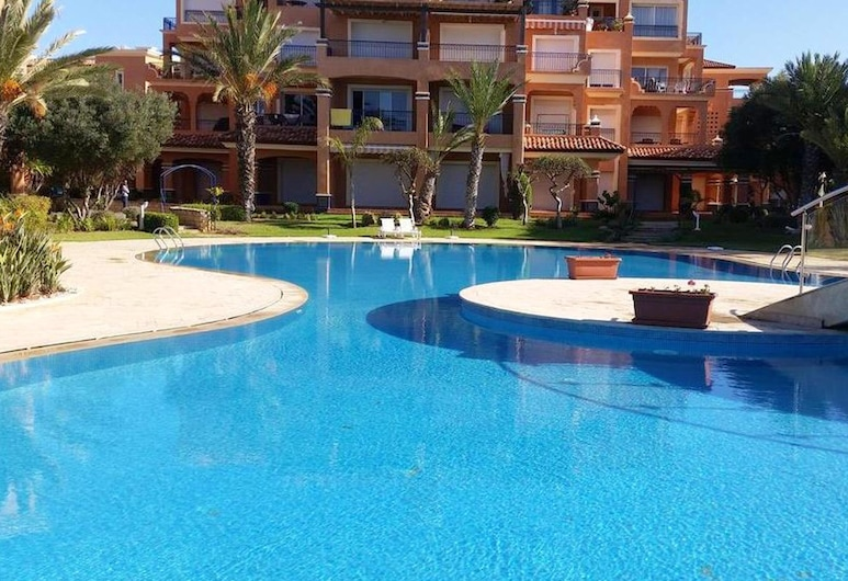 House With 3 Bedrooms in Bouznika, With Wonderful Lake View, Shared Pool and Furnished Garden - 50 m From the Beach, Bouznika, Piscina
