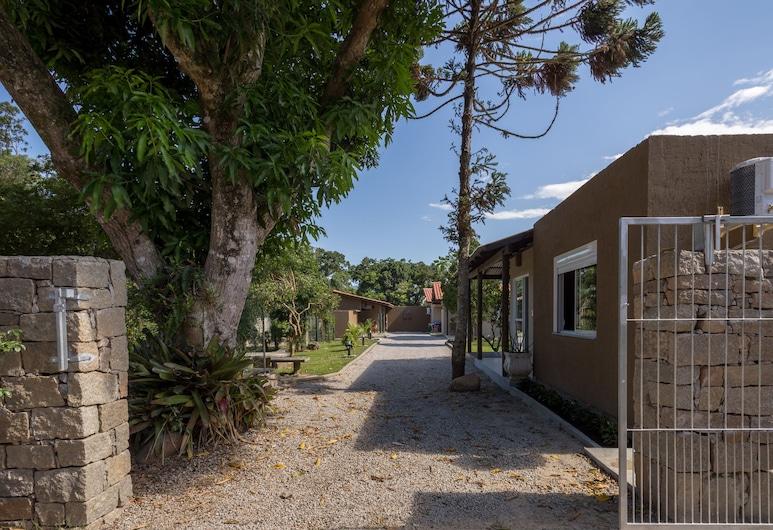 卡納維伊拉斯小屋飯店, 弗洛里亞諾波利斯, 住宿正面