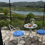 Traditional Apartment, Balcony, Mountain View - Terrace/Patio