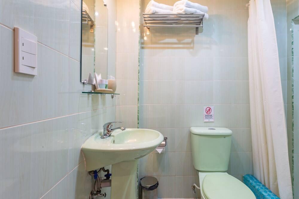 Szoba kétszemélyes ággyal, 1 queen (nagyméretű) franciaágy - Fürdőszoba