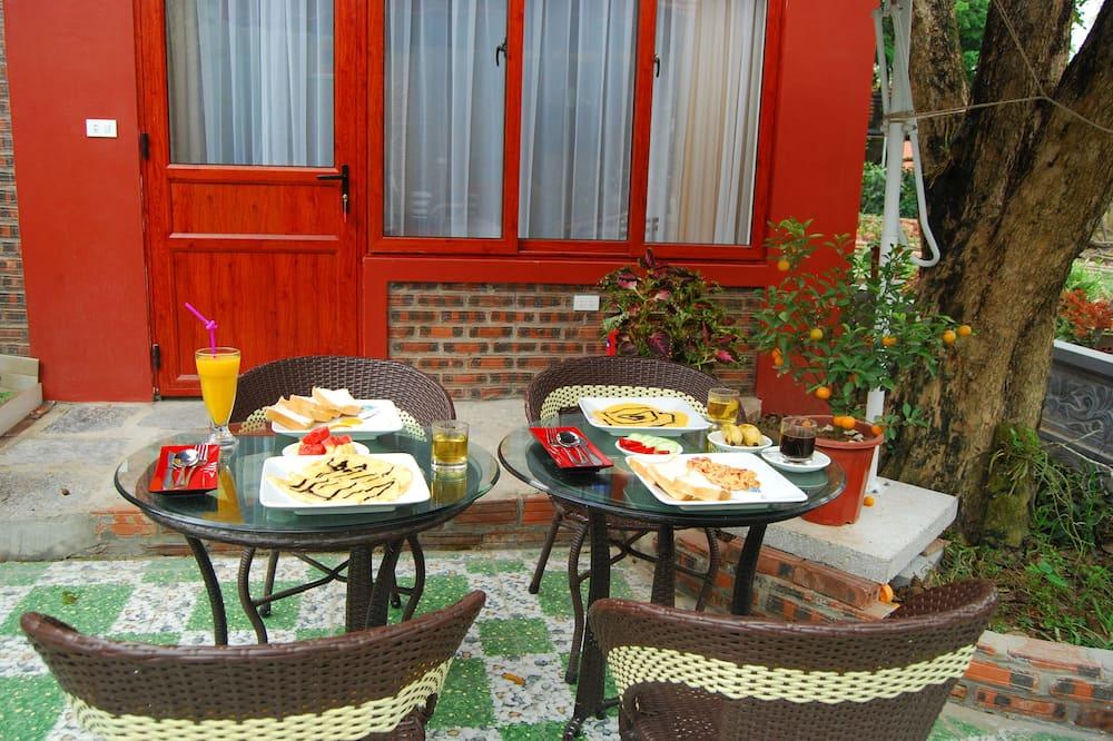 Luxury Bungalov, 1 Büyük (Queen) Boy Yatak, Bahçe Manzaralı - Odada Yemek Servisi
