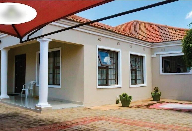 Shathipha Cottage, Gaborone