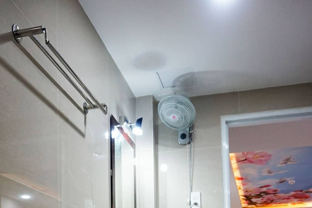 高級開放式客房, 城市景觀 - 浴室