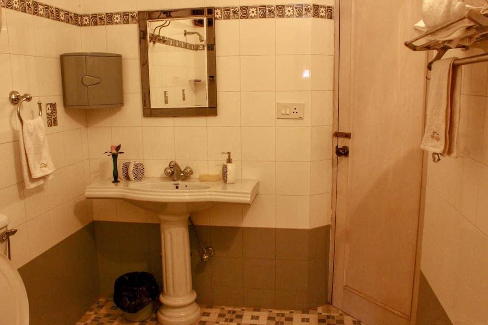 Panoramic Apart Daire, Birden Çok Yatak, Tepe Manzaralı - Banyo