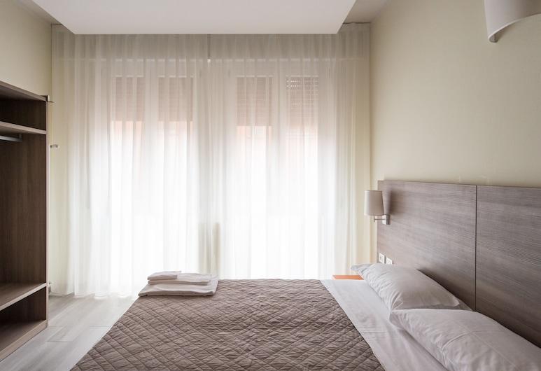 San Felice 135 - 2, Bolonia, Apartament typu Superior Suite, prywatna łazienka, widok na miasto, Pokój