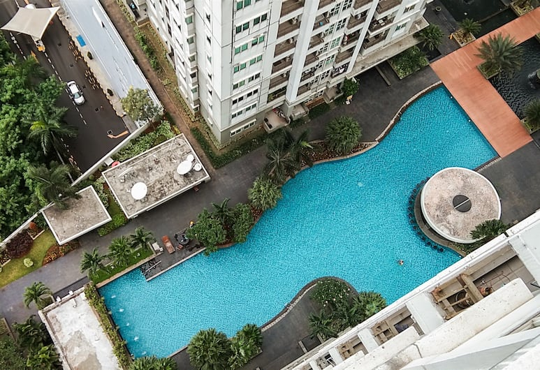 Best Price 2BR Thamrin Residences Apartment in Strategic Area, Jakarta, Pool