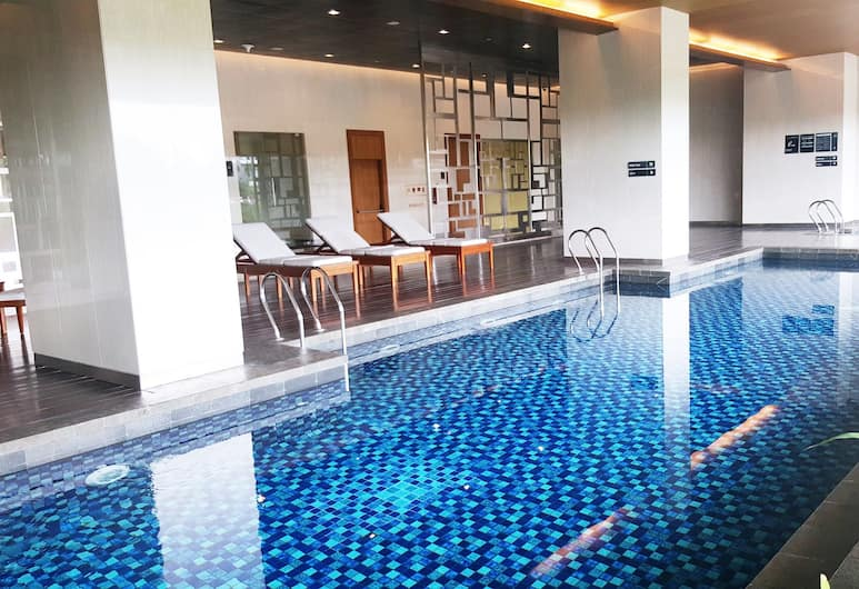 2BR Apartment Kemang Village Connect to Mall, Jakarta, Pool