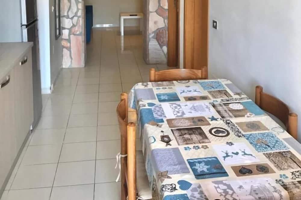 Apartament typu Comfort, 1 sypialnia, taras, widok na morze - Wyżywienie w pokoju
