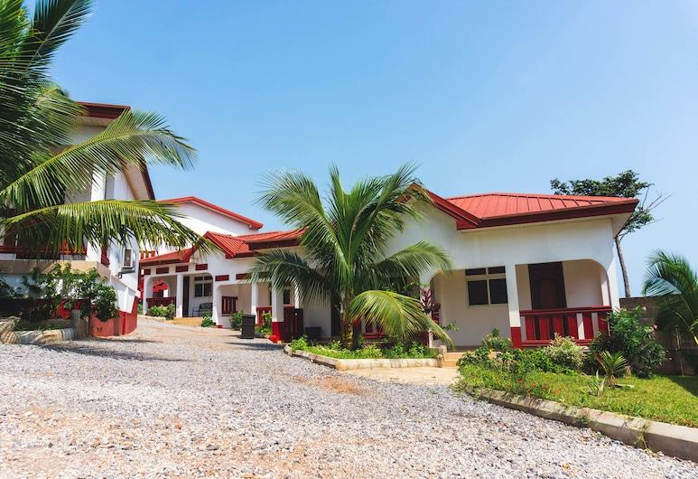 رويال ألمونت هوتل, Elmina