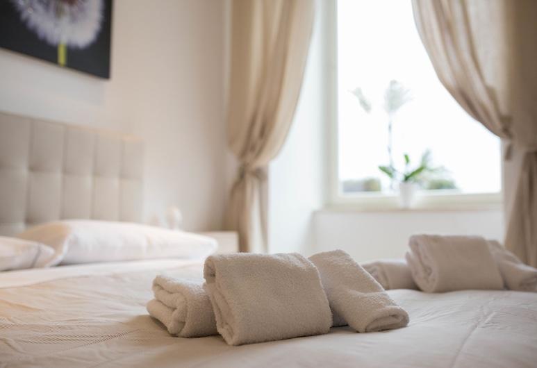 Pausilya, Naples, Apartamento, 3 Quartos, Quarto