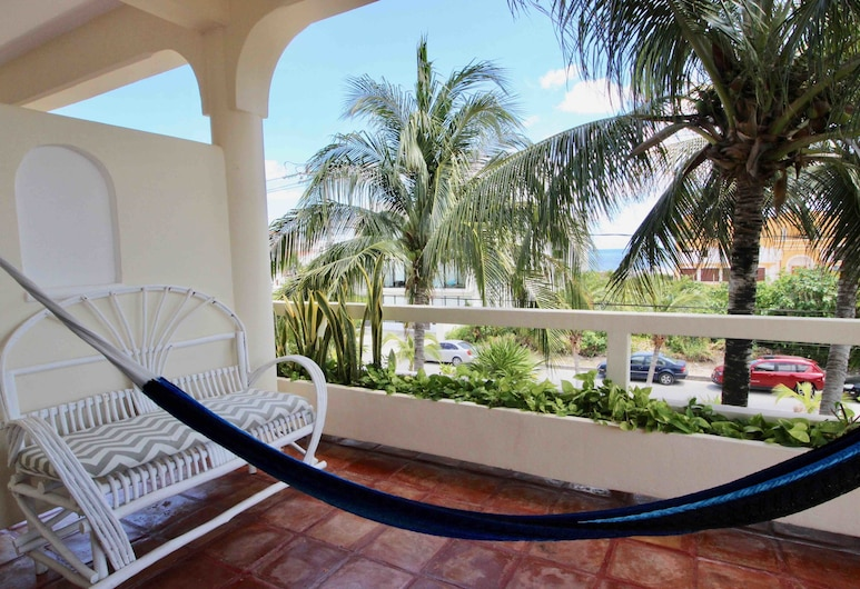 Casa Caribe B&B, Puerto Morelos, Classic Room, 1 King Bed with Sofa bed, Partial Sea View, Terrace/Patio