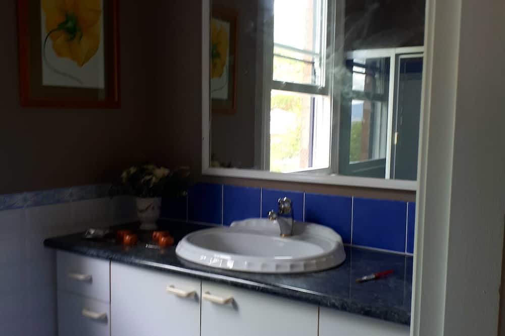 Design-Zimmer, 1 Queen-Bett, Gemeinschaftsbad - Badezimmer