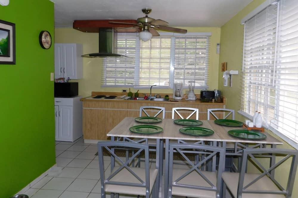 Dom typu Basic, viacero postelí - Spoločná kuchyňa