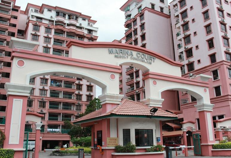 IStay Marina Court Kota Kinabalu, Kota Kinabalu, Property entrance
