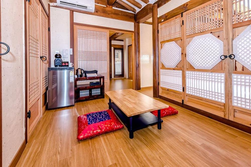 Phòng (Folk Cottage B2) - Khu phòng khách
