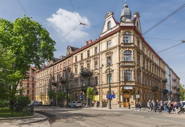 The Old Town View, Kraków, Front obiektu